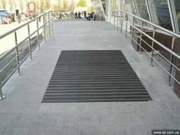 Решетка для чистки ног при входе