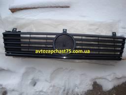 Решетка радиатора Mercedes Vito w638 до 2002 года