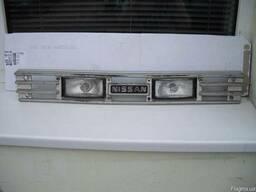 Решетка радиатора Nissan Bluebird