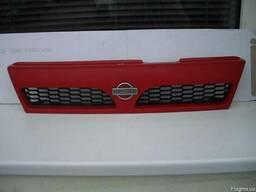 Решетка радиатора Nissan Y10