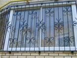 Решетки на окна. Сварные и кованные металлические конструкции - фото 5