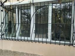 Решетки на окна, оконные решетки, решетки на балкон