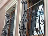 Решетки на окна с художественой ковкой - фото 1