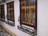 Решетки на окна. Сварные и кованные металлические конструкции - фото 6