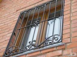 Решётки на окна балконы