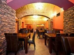 Ресторан в центре Праги, вариант ПМЖ Чехии
