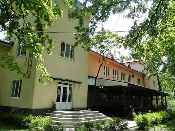 """Ресторан в загородном комплексе """"Дубравушка"""""""