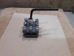 Резцедержатель настольного токарного станка