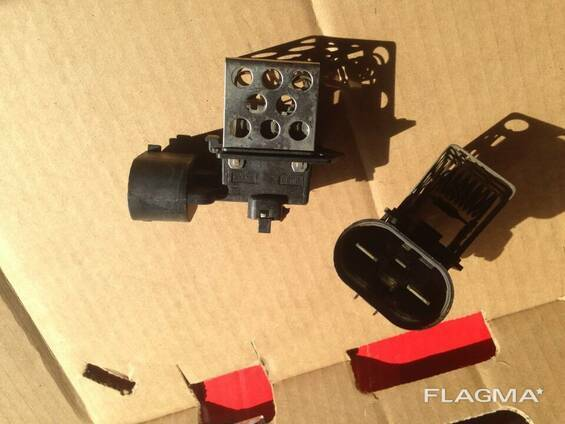 Резистор реле блок управления вентилятора Opel Combo