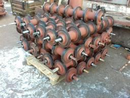 Ролики конвейєрні різних модифікацій , барабани привідні