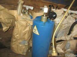 Розпилювач отрутохімікатів металевий з манометром