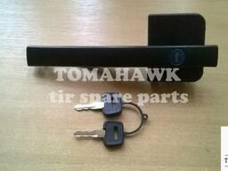 Ручка дверей ліва з замком та ключами DAF XF95 1305481