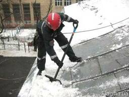 Ручная уборка снега и вывоз снега круглосуточно по киеву
