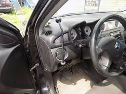Ручное управление автомобилем для инвалида Митсубиси аутленд