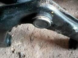 Рычаг передний верхний правый 54524-EB300 на Nissan Pathfind