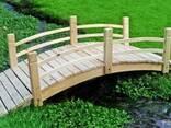 Садовый мостик из дерева - фото 5