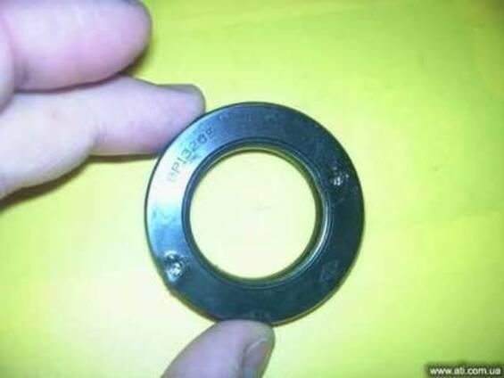 Сальник высокого давления на коробку передач (гидросттранс)