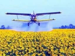 Самолет Ан-2 для обработки подсолнечника и кукурузы от совки