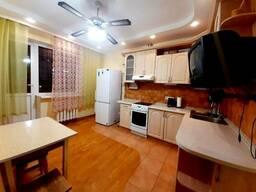 Сдается квартира Киев, Дарницкий, ул. Анны Ахматовой, 30 код 111336155