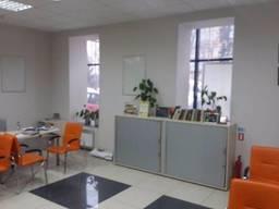 """Сдам помещение на """"красной линии"""" 200 кв. м пр. Гагарина под магазин, офис, банк и др."""