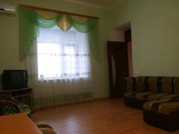 Сдам посуточно 2 к/квартиру с летней кухней в центре г. Скадовска
