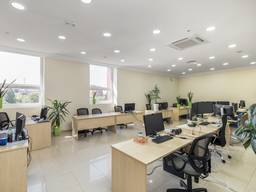 Сдам свое офисное помещение 1200 кв. м. метро Науная