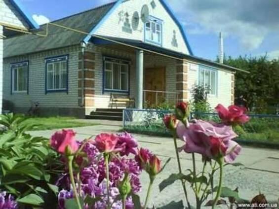 Сдаю дом в Миргороде посуточно.