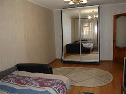 СдаюКвартирыСуткиЛуганск 1к квартира Посуточно в Центре Луг