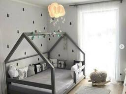 Сіра ліжечко будиночок для дітей з масиву дерева в Україні