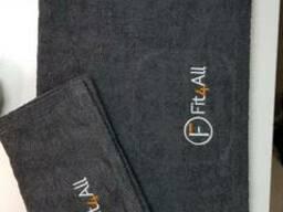 Серое махровое полотенце 70х145