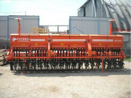 Сеялка зерновая СЗФ-5400-Т Фаворит (травяная)