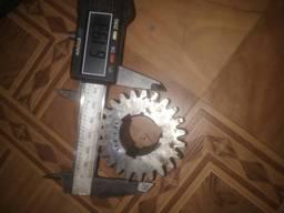 Шестерня на токарный станок tos sv18 Z23 m.