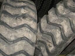 Шины грузовые , наварные . Б/У . спецтехники R25 x17.5-.29.5