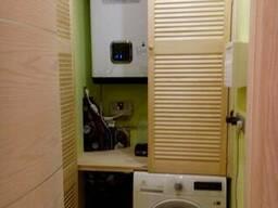 Шкаф из жалюзийных дверей для закрытия бойлера и стиральной