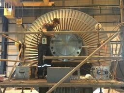 Шлифовка ротора генератора электростанции на месте