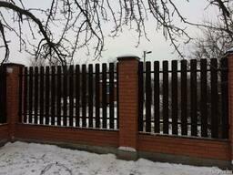 Штакетный металлический забор