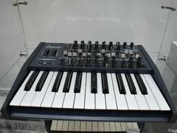Синтезатор аналоговый arturia minibrute