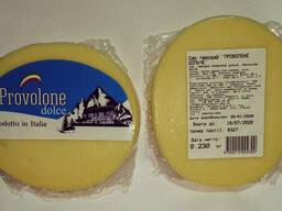 Сир італійський Проволоне Дольче/Сыр  итальянский. ..