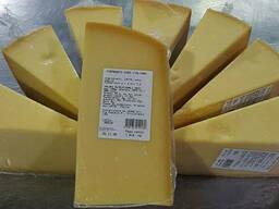 Сир  твердий італійський тип Пармезан (12 міс)/Сыр твердый итальянский тип. ..