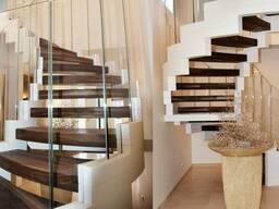 Деревянные ступеньки для лестницы из массива дерева
