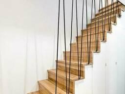 Ступеньки для лестницы из натурального дерева ясень