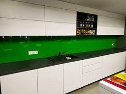 Скляний фартух кухні скіналі 6мм з гартуванням та монтажем