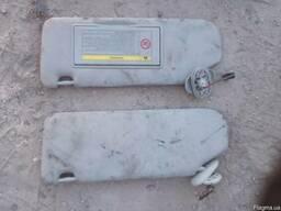 Солнцезащитный козырек правый 74310-05150-B1 на Toyota Avens