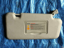 Солнцезащитный козырек правый 96400-9U10A на Nissan Note 06-