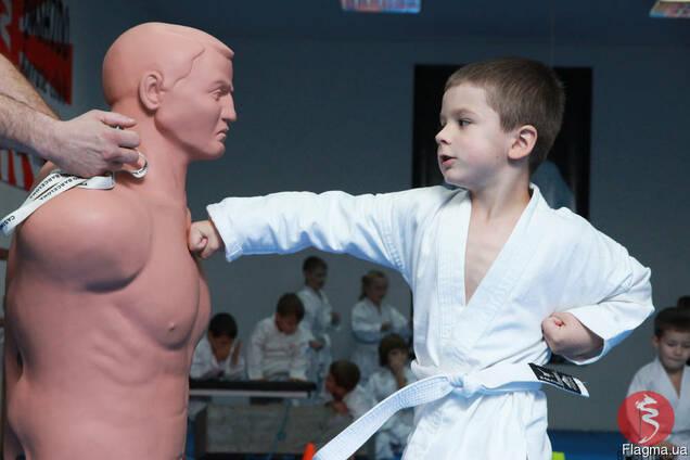 Спортивная школа, тренировки по каратэ в Черновцах для детей
