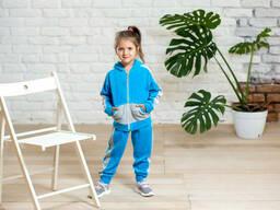 Спортивный велюровый костюм для девочки голубого цвета 6-8 лет