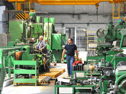 Станки и прочее оборудование по металообоработке