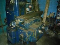 Станок фрезерный 6М80Г. цена 30 000грн. .. подключен, рабочий.