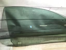 Стекло правой дверки Volvo C70 II.