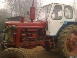 Стекло ЮМЗ старая кабина. Комплект на трактор.